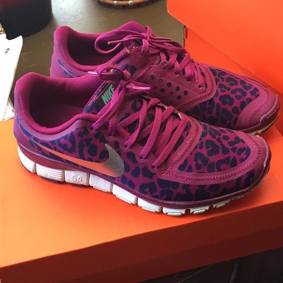 00bce5a0276c Women s Nike Free 5.0 Leopard Print Shoes 7. M 5b478912951996d46c59c75e